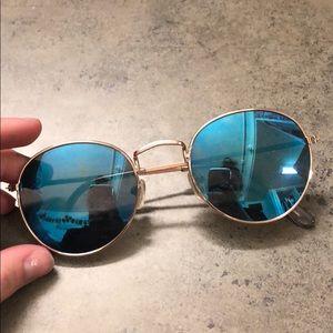 Circle sunglasses!